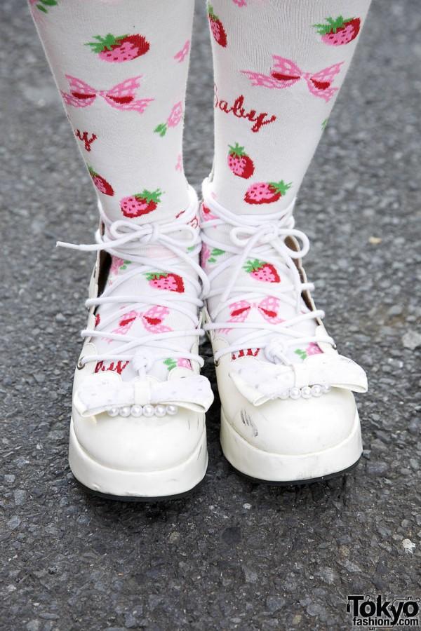 Strawberry BTSSB Tights & Lolita Shoes