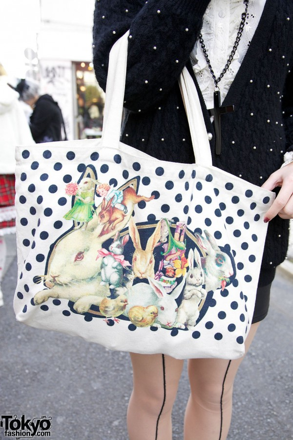 fantasy-print bag from AHCAHCUM.muchacha