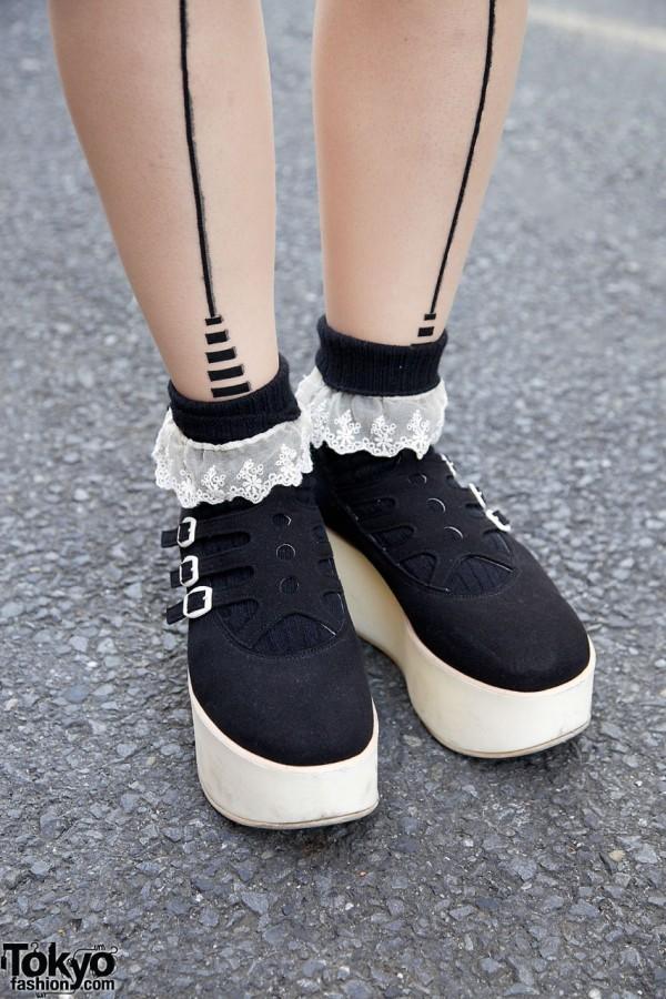 G2? tights & Tokyo Bopper shoes in Harajuku