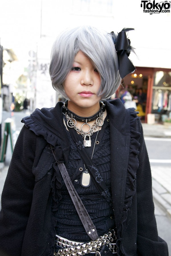 Girl w/ gray hair & bondage necklaces in Harajuku