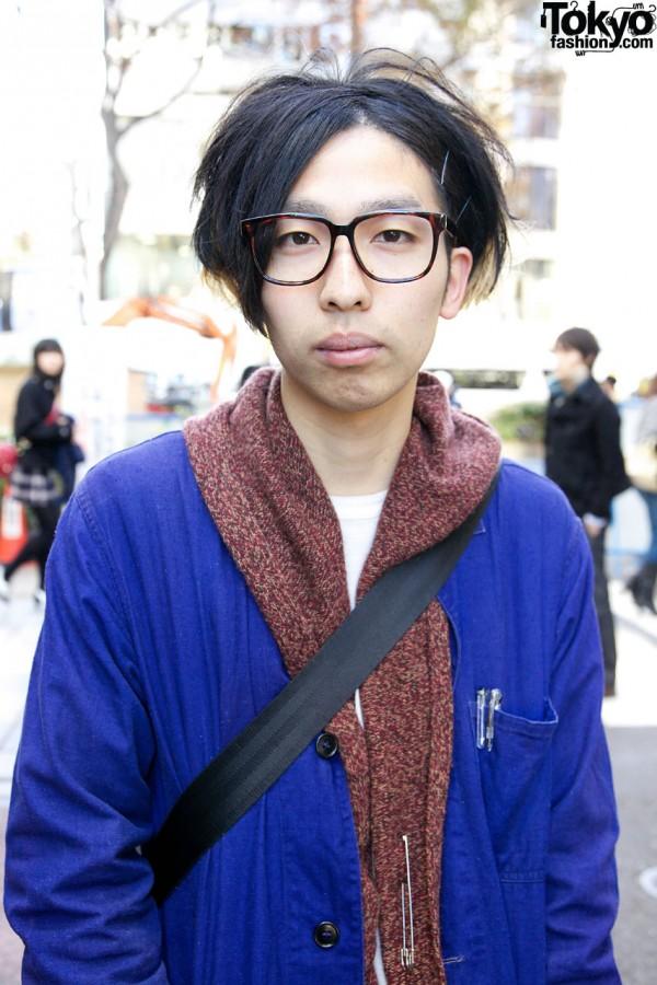 Guy in tweed sweater & glasses in Harajuku