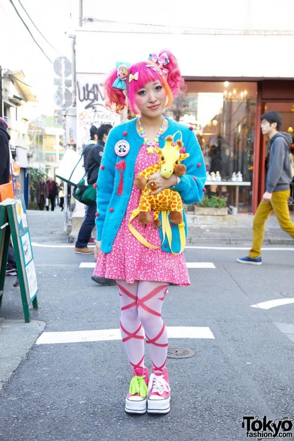 Kumamiki's Pink & Orange Hair, Sweet Accessories & Platforms in Harajuku
