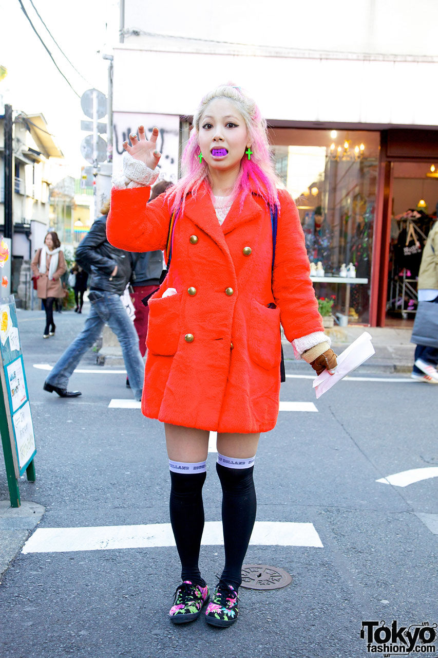 Bubbles Harajuku Coi in Red American Apparel Coat