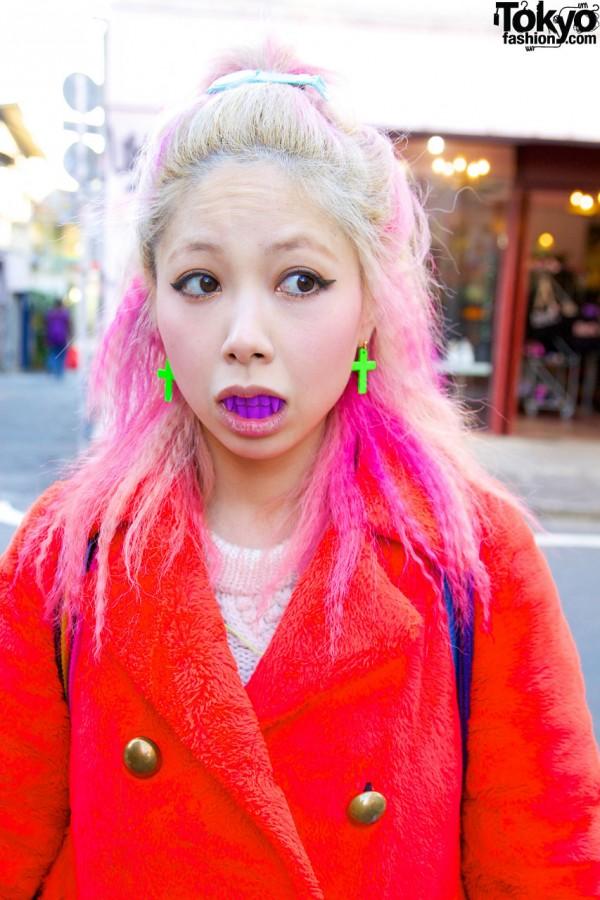 Coi's Neon Green Earrings