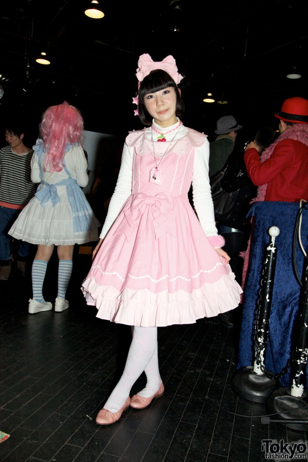Pop N Cute by Harajuku Fashion Walk Street Snap (21)