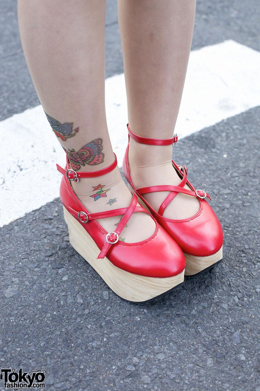 Girls TutuHa Cross, Tattoo Tights & Body Line Rocking Horse Shoes