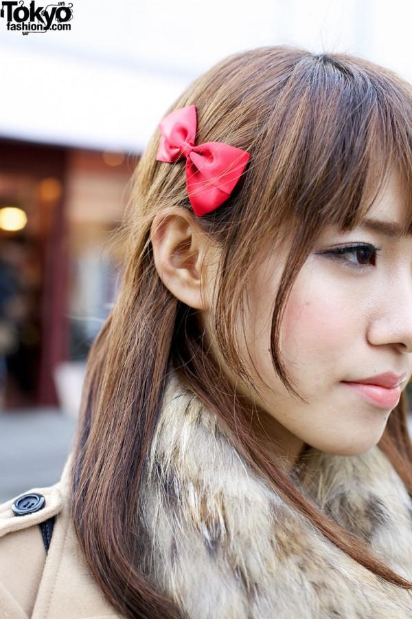 Red hair bow in Harajuku