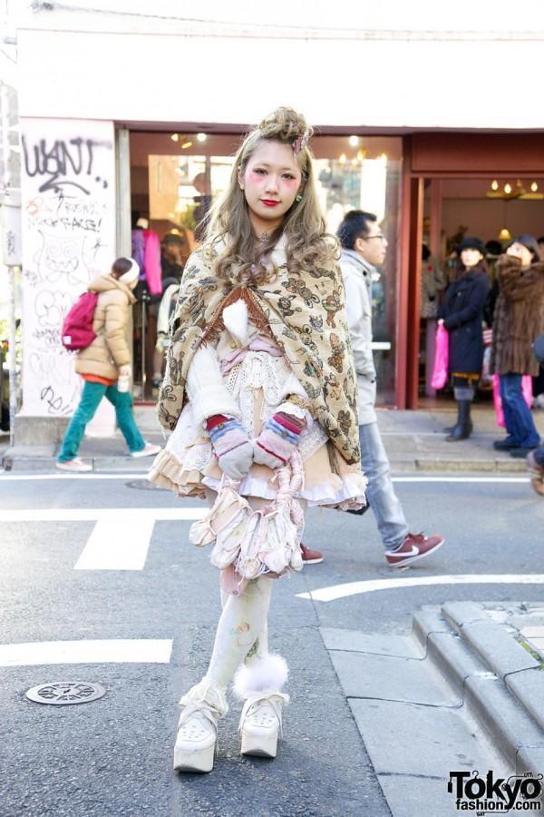 Ballet Slippers Handbag, Vintage Shawl & Platforms in Harajuku