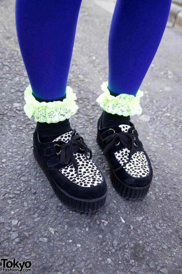 Blue tights, lace-trimmed socks & dotted platform shoes