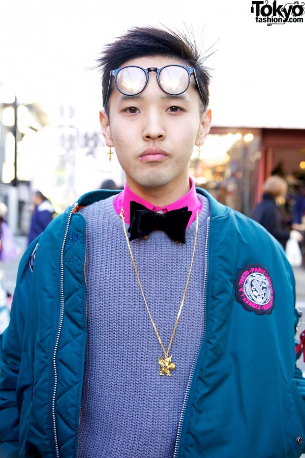 Pullover sweater & bowtie in Harajuku