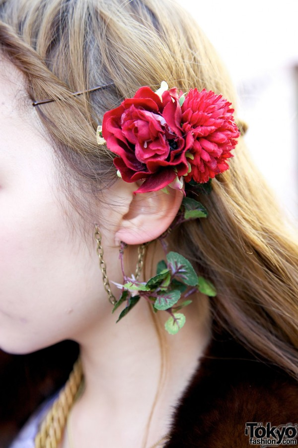 Handmade rose hair ornament in Harajuku