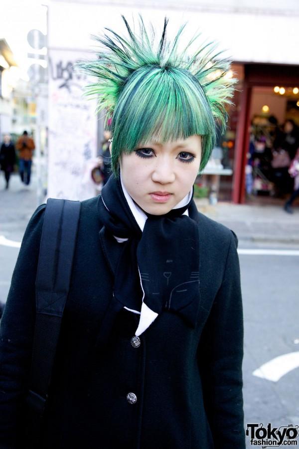 Asymmetrical Coat & Green Hair in Harajuku