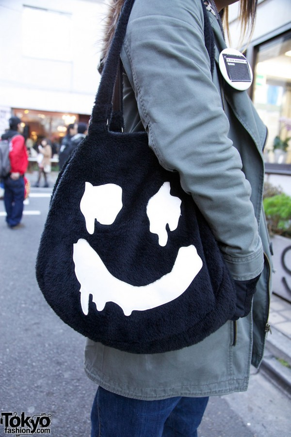 World Wide Love bag w/ drippy happy face