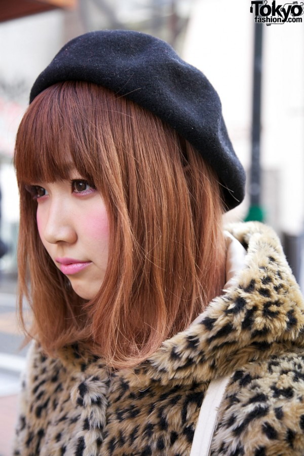 Pink Lipstick & Black Beret in Harajuku