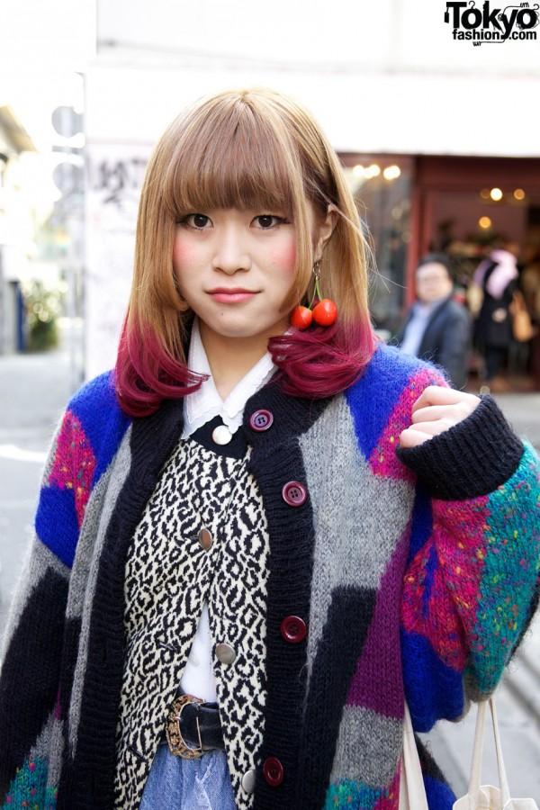Girl with fuchsia-tipped hair in Harajuku