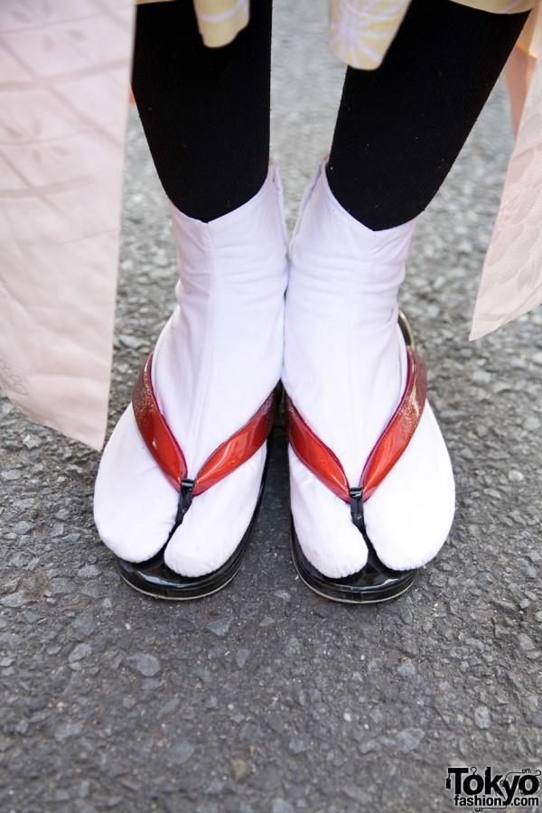 Tabi socks & flip flops in Harajuku