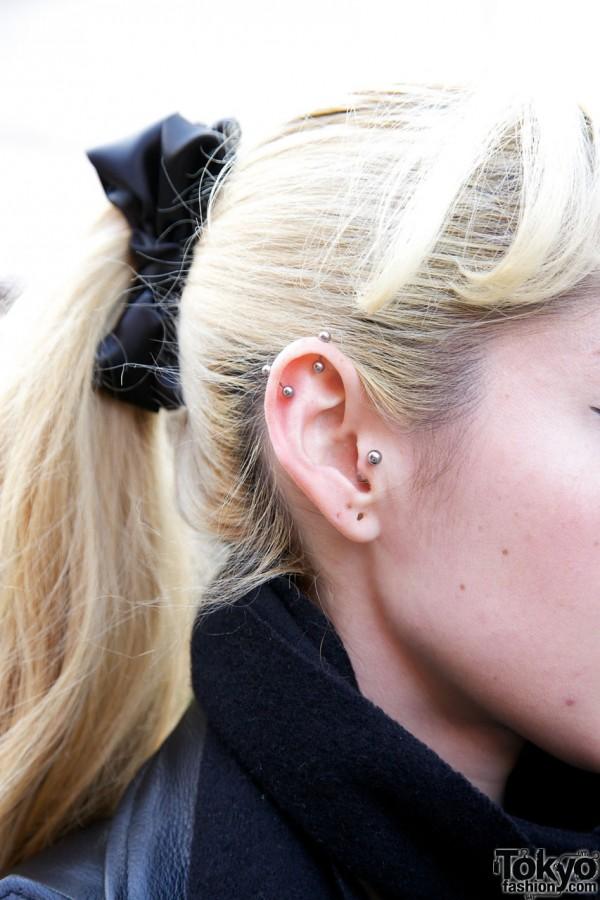 Blonde ponytail & ear studs in Harajuku