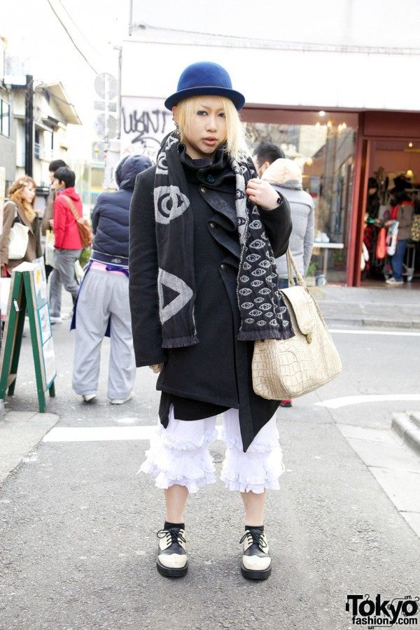 Harajuku Girl in h.Naoto Gramm Bloomers