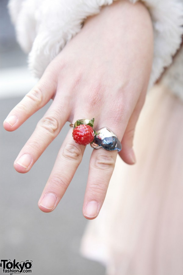 Raspberry & Heart Rings in Harajuku