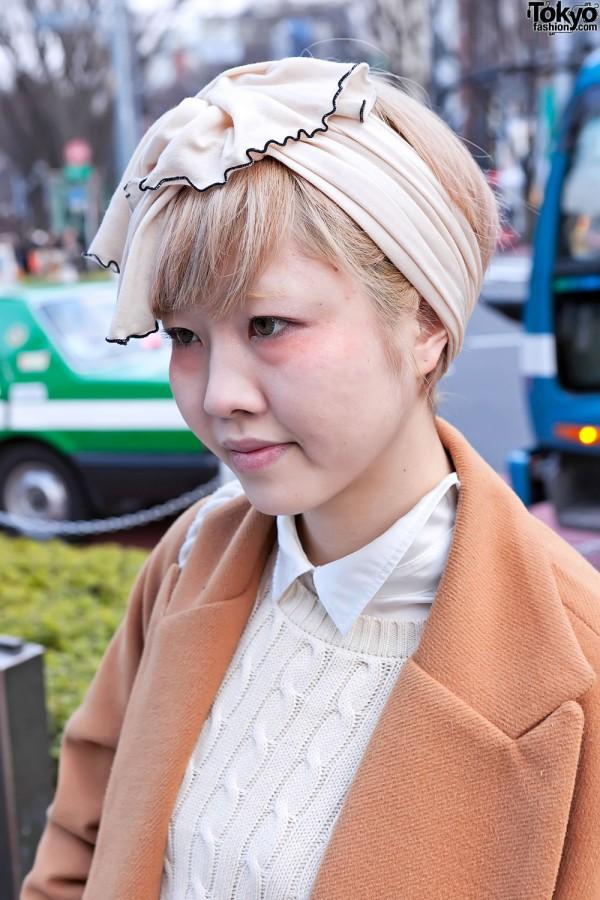 1940s Headscarf & Beige Makeup