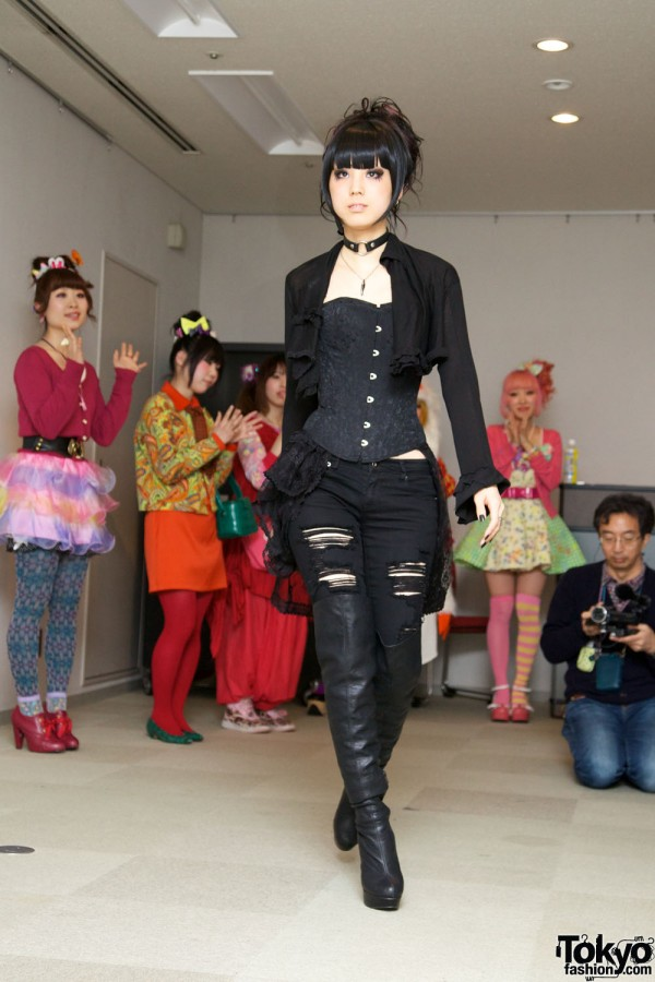Japanese Lolita & Harajuku Fashion Show (25)