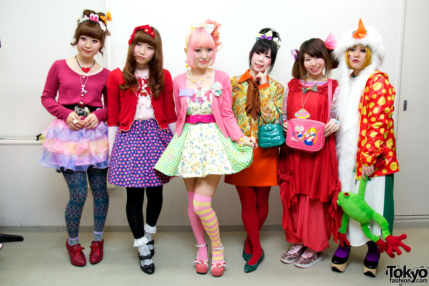 Japanese Lolita Harajuku Styles Fashion Show Pictures Video