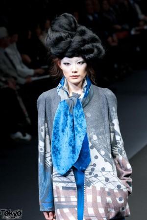 Hiroko Koshino 2012 A/W (120)