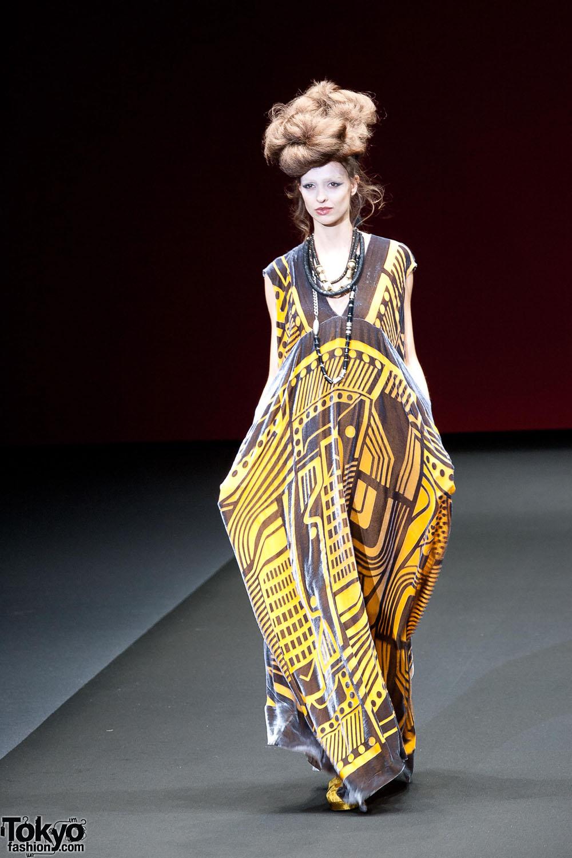 Hiroko Koshino 2012 A W 141 Tokyo Fashion News