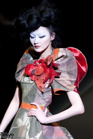 Hiroko Koshino 2012 A/W (163)