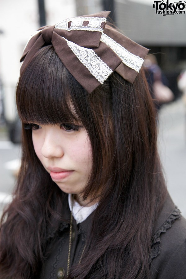 Lolita girl's large hair bow in Harajuku