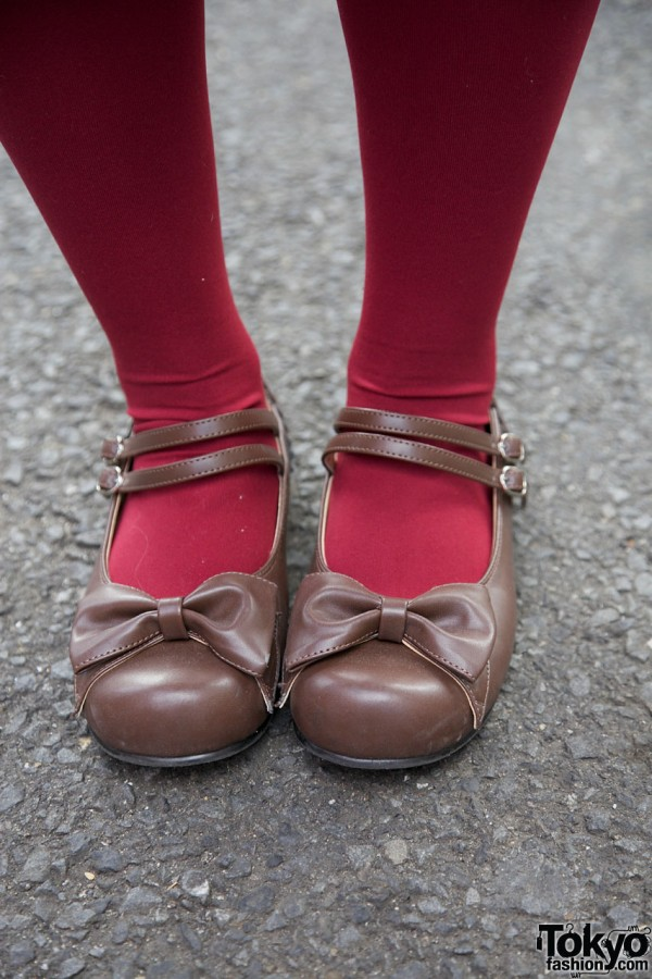 Maroon tights & Mary Jane shoes w/ bows