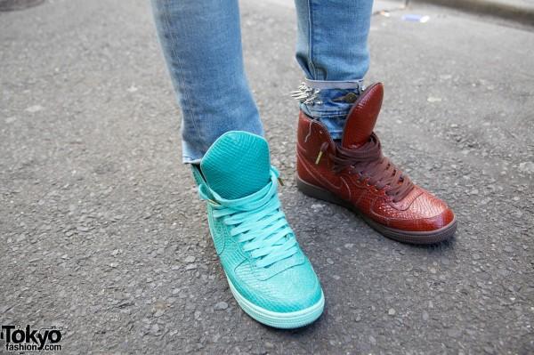 Phenomenon Spikes Jeans in Harajuku