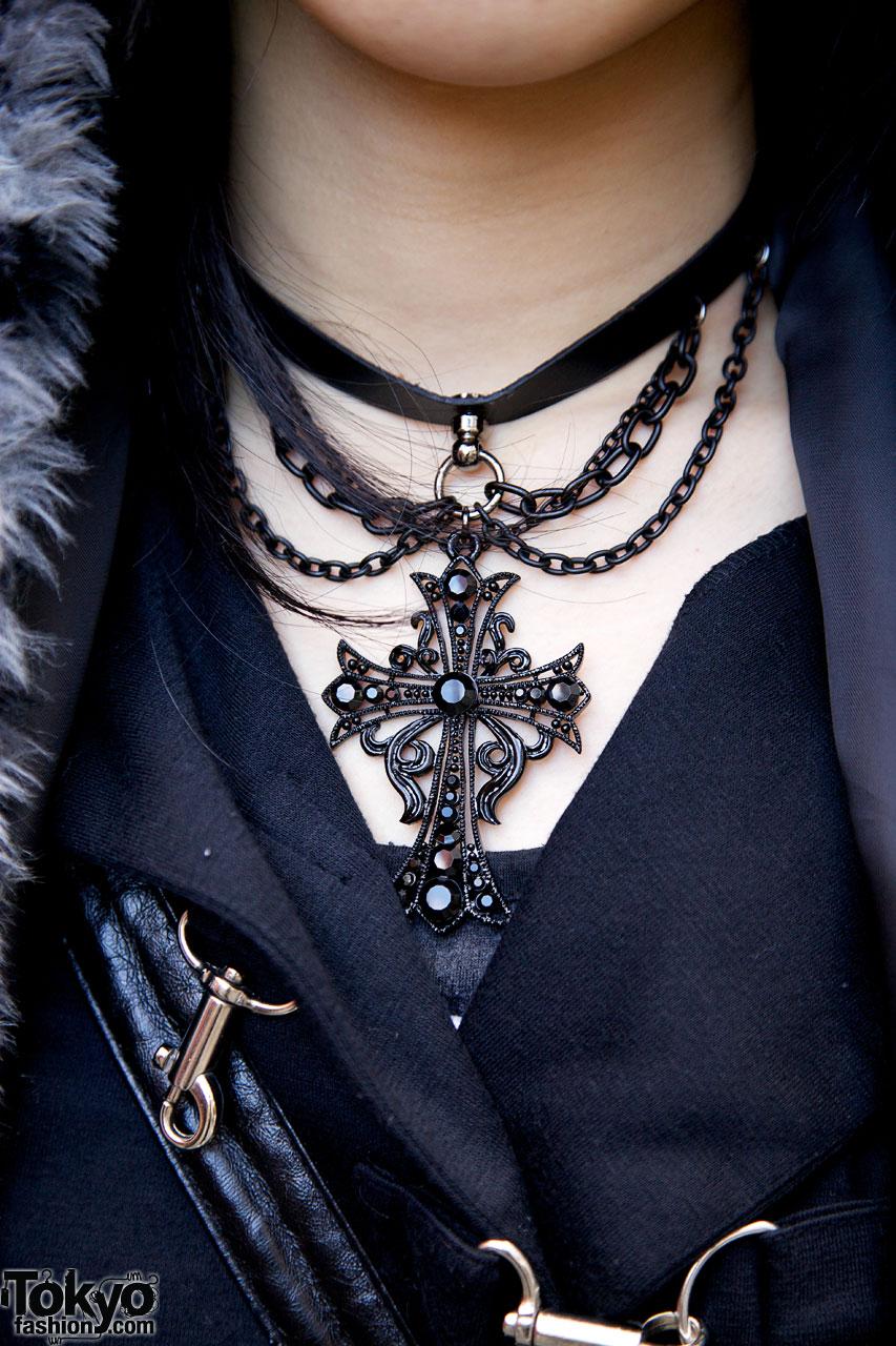 Gothic harajuku girl in stigmata sex pot revenge black for Black and blue jewelry cross necklace