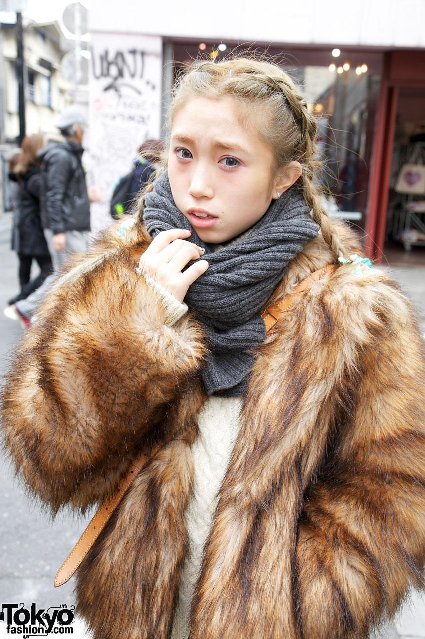 H Amp M Faux Fur Jacket Amp Bulky Knit Scarf Tokyo Fashion News