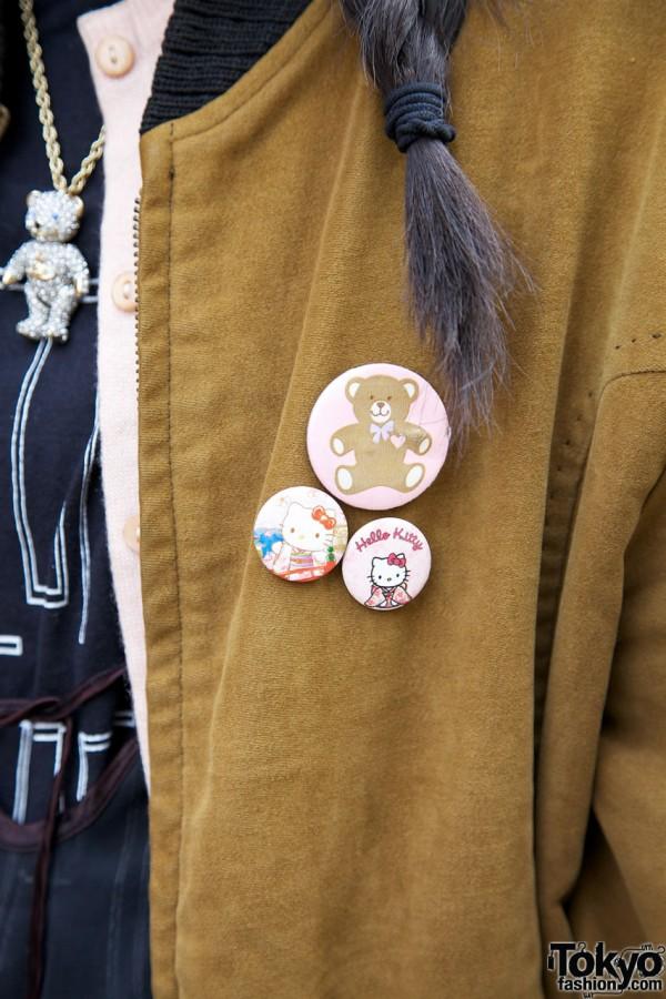Hello Kitty & Teddy Bear buttons in Harajuku