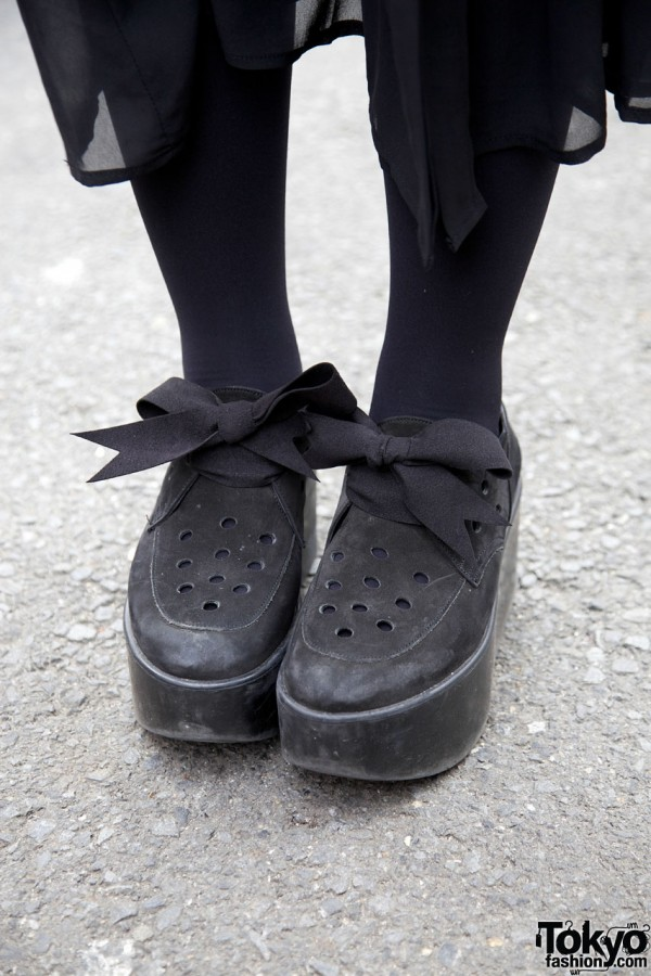 Belly Button platform shoes w/ bows