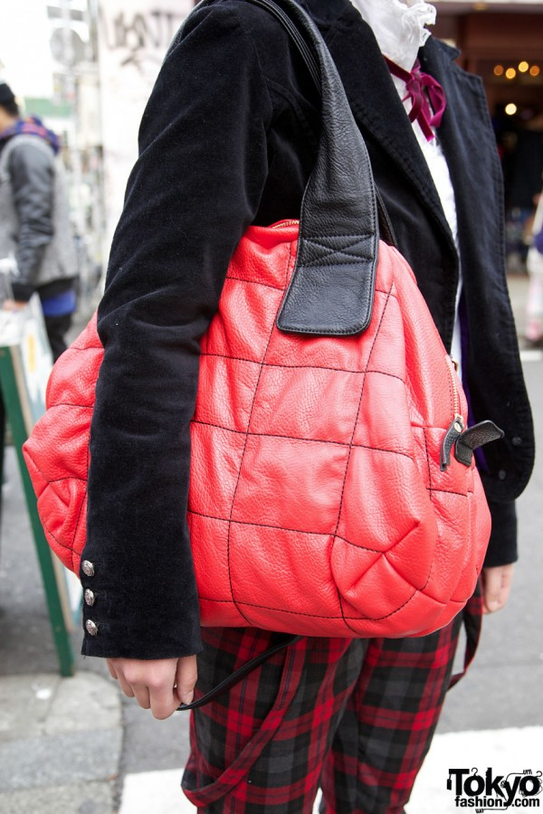 Red quilted bag from Bunkaya Zakkaten