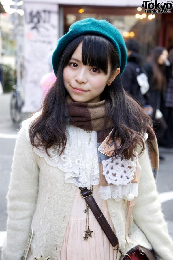 Lace-trimmed sweater & muffler in Harajuku
