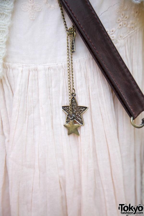 Long necklace w/ star pendant