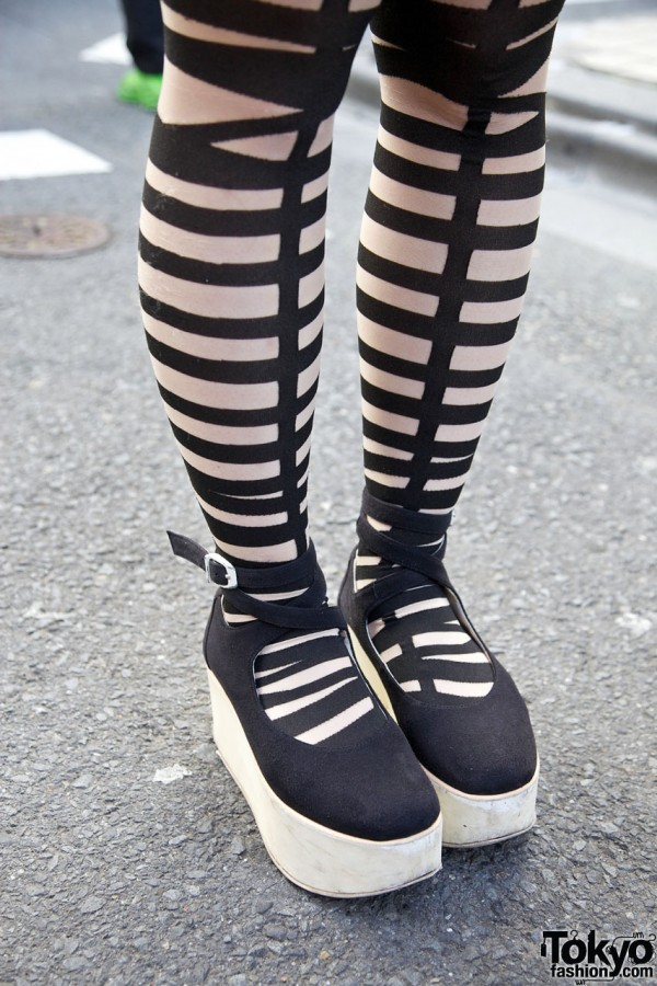 Cutout tights & Tokyo Bopper rocking horse shoes