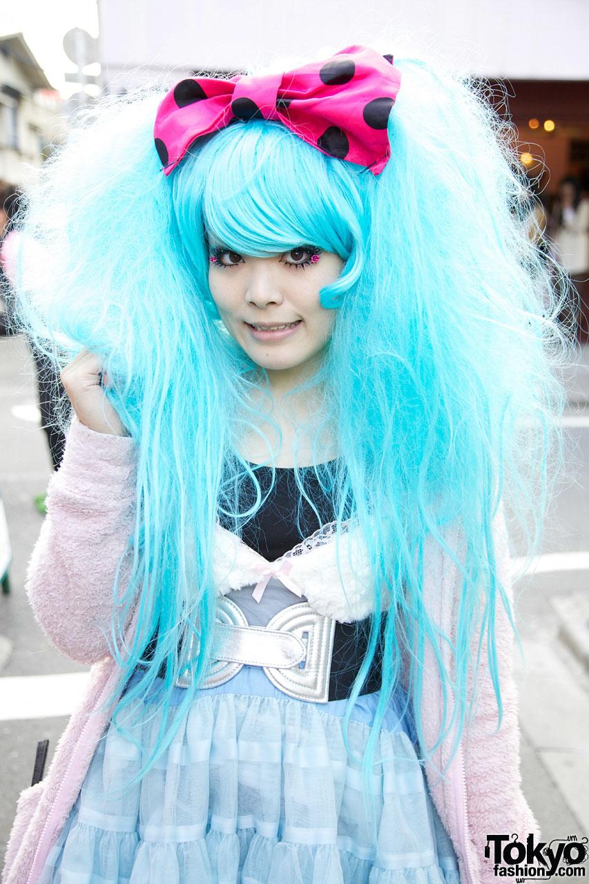 Harajuku Eyelash Designer w/ Big Blue Hair & Vintage Tulle