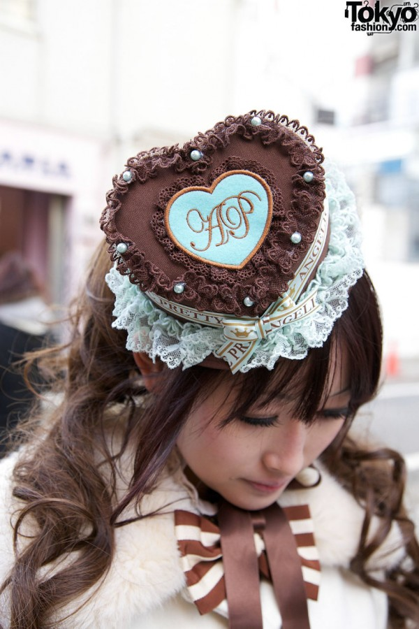 Lace-trimmed Angelic Pretty hat in Harajuku
