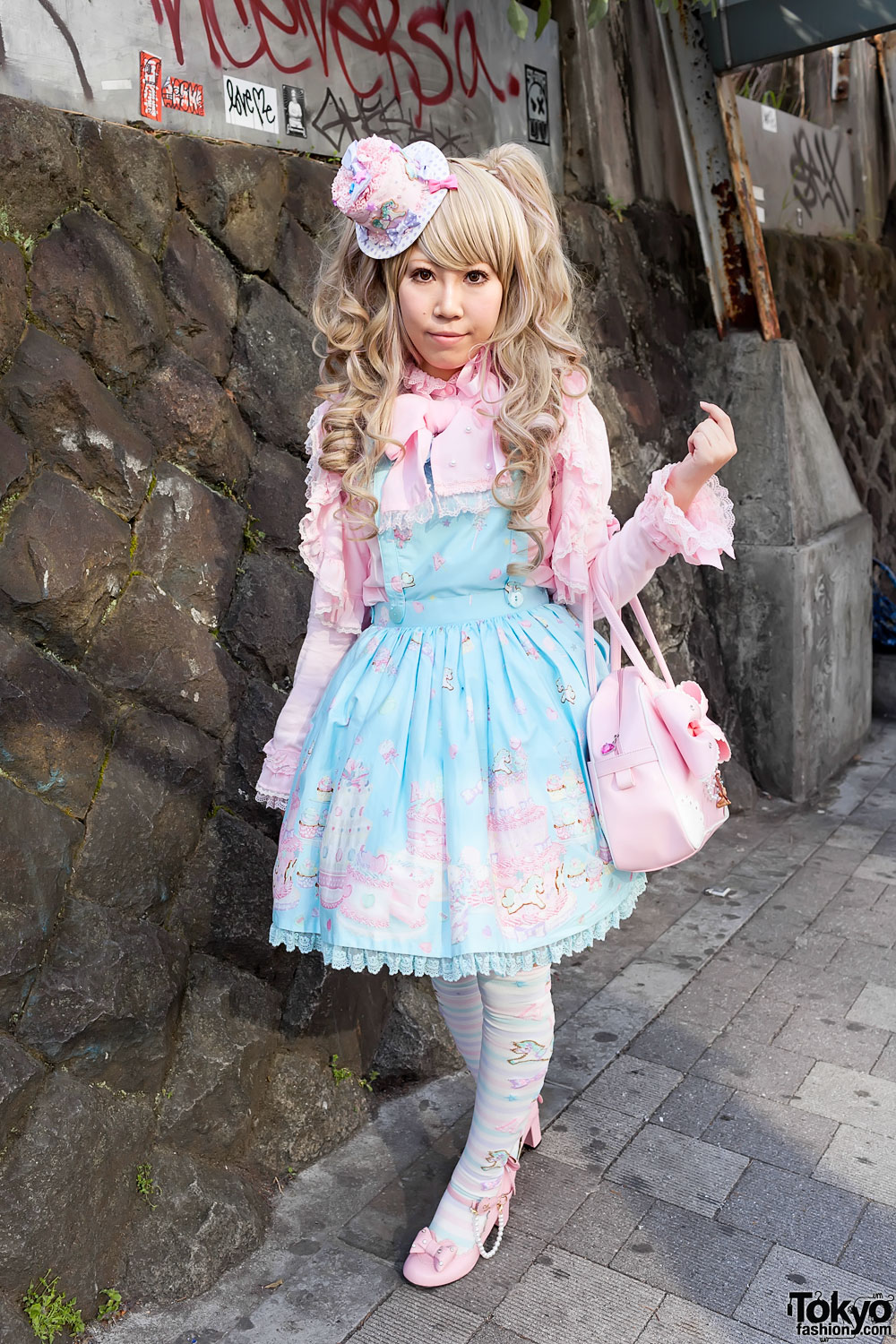 that she does much of her lolita fashion shopping at LaForet Harajuku