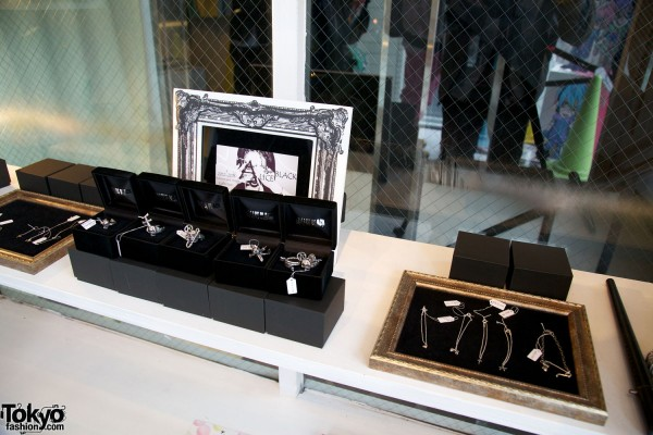Alice Black Jewelry Collection
