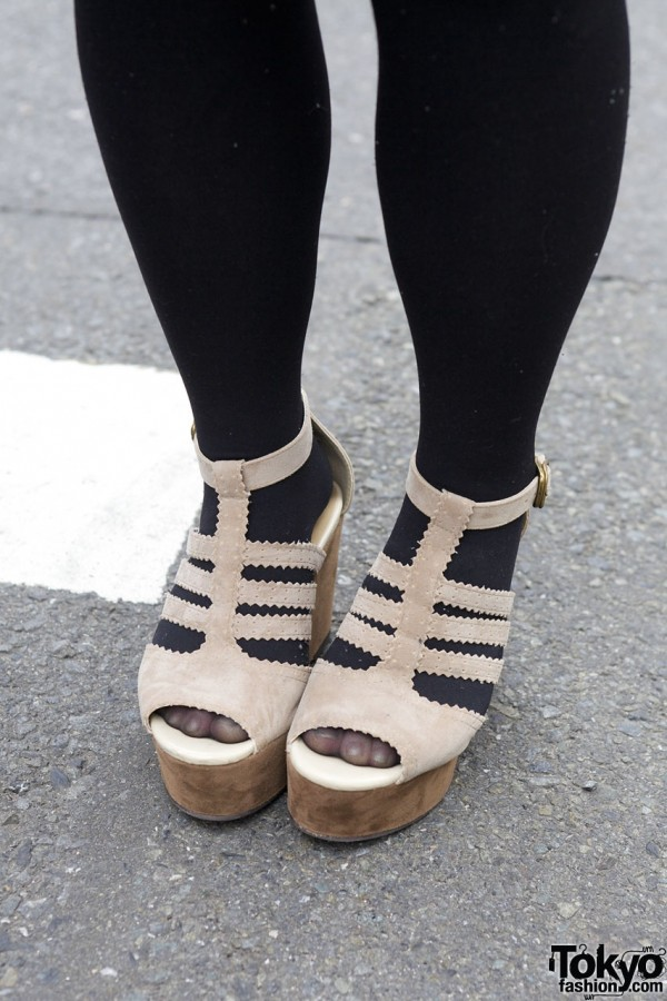 Black tights & Heather platform sandals