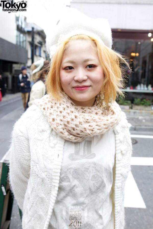Crochet scarf & Tokyo Incidents Live Tour t-shirt