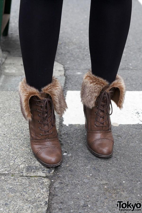 Black tights & fur-lined boots in Harajuku