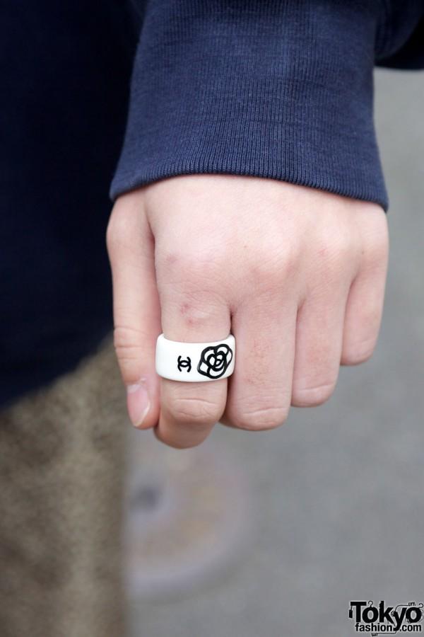 Ring w/ flower design in Harajuku