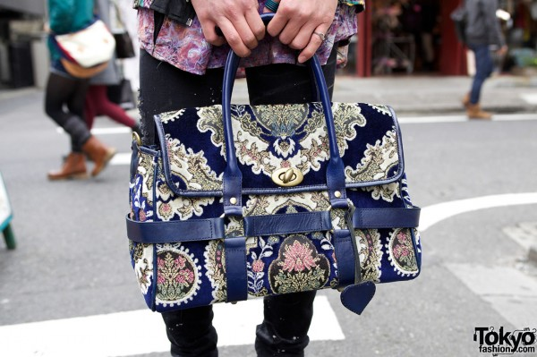 Used tapestry bag in Harajuku