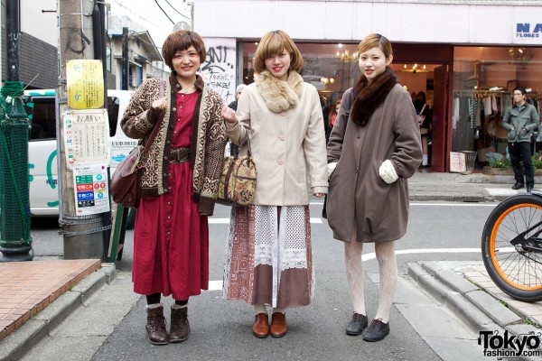 Stylish Harajuku Trio in Vintage & Resale Fashions
